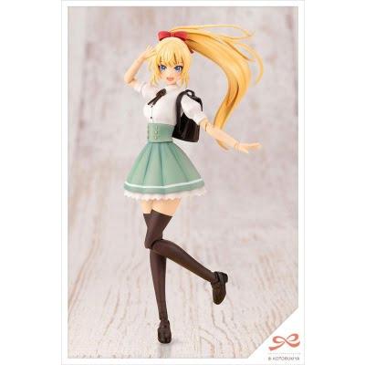 RITSUKA SAEKI, blonde, en uniforme